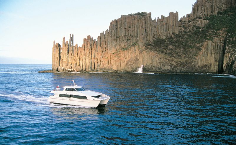 100069 56 Tasman Peninsula Cruise Tourism Tasmania Joe Shemesh 1