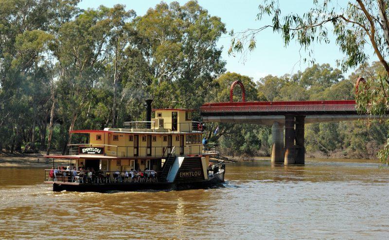 Emmylou Murray River Victoria
