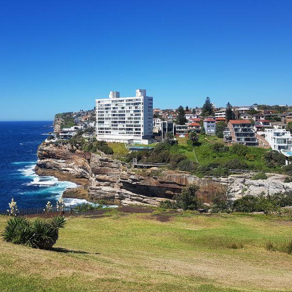 Cliffs on Waverley Walk