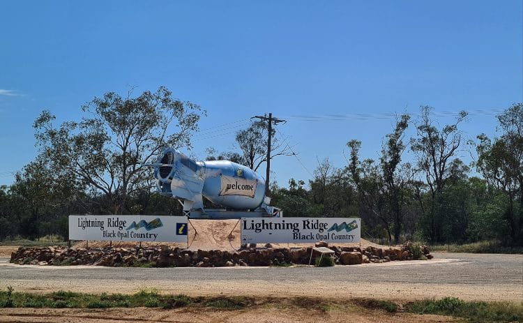 Lightning Ridge Black Opal Country
