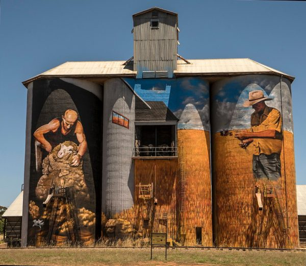 1024px Mural Painted Silos NSW 25460170988 1